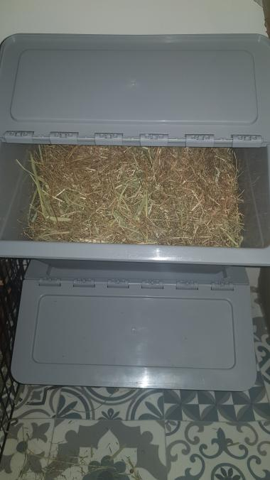 Hay storage container